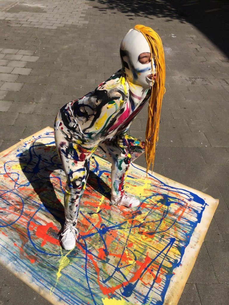 performance HUGO painting 3D, acrylic on textile costume, model Mink Chonsamoe